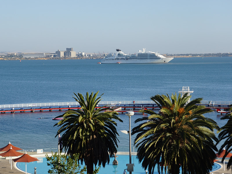 2014 visit of mv seabourn odyssey to geelong intown geelong. Black Bedroom Furniture Sets. Home Design Ideas
